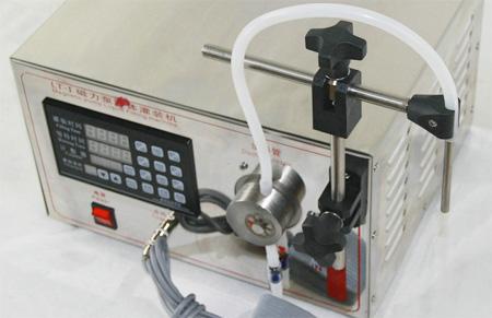 小型磁力泵定量灌装机不锈钢灌装头